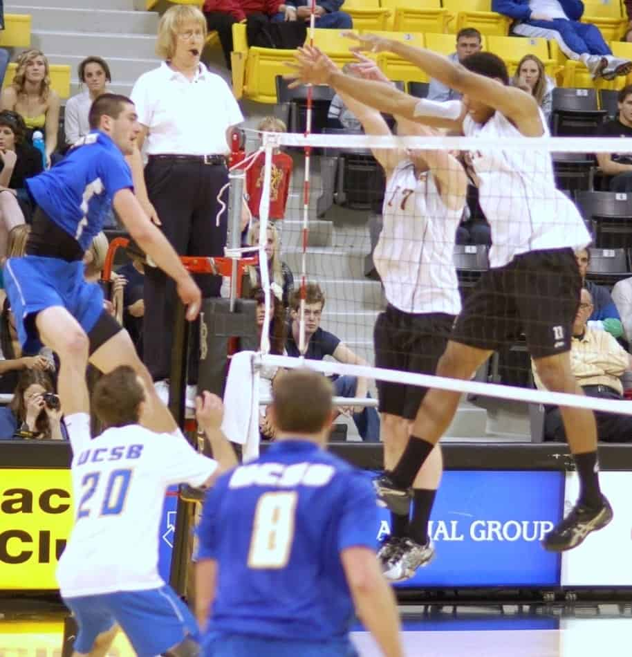 23 Net Violations In Volleyball And The Rules Behind Them Better At Volleyball