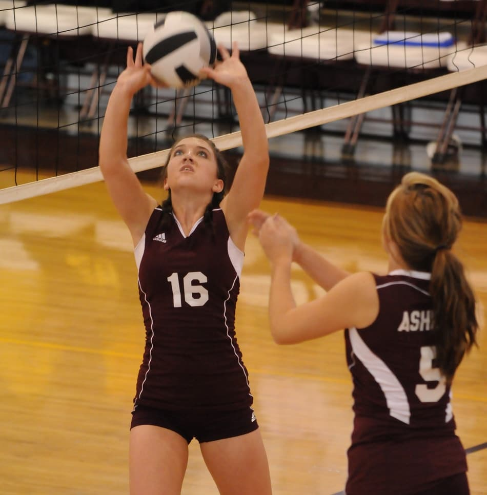 How To Set A Volleyball A Beginner S Guide Better At Volleyball